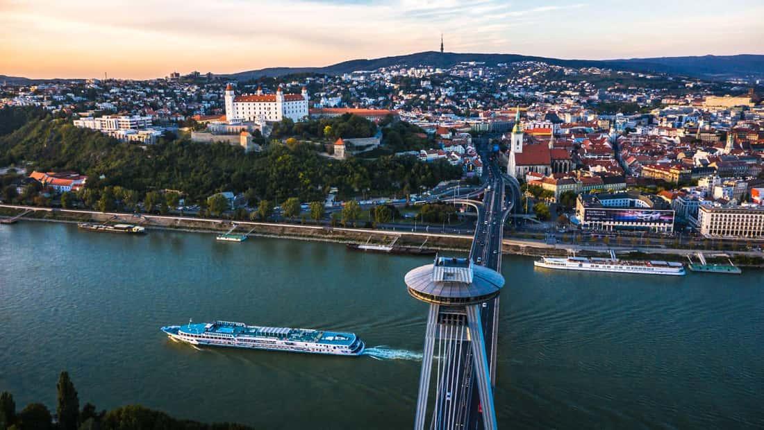 Братислава - смесь тихой старины и современной кипящей жизни