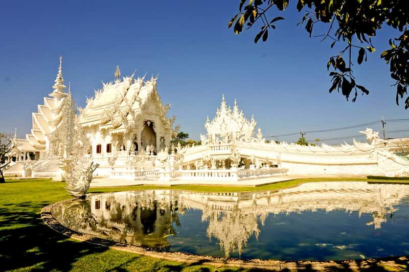 Ват Ронг Кхун в городе Чианграй