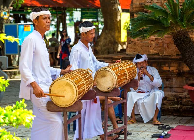 Празднование религиозного фестиваля в Po Nagar