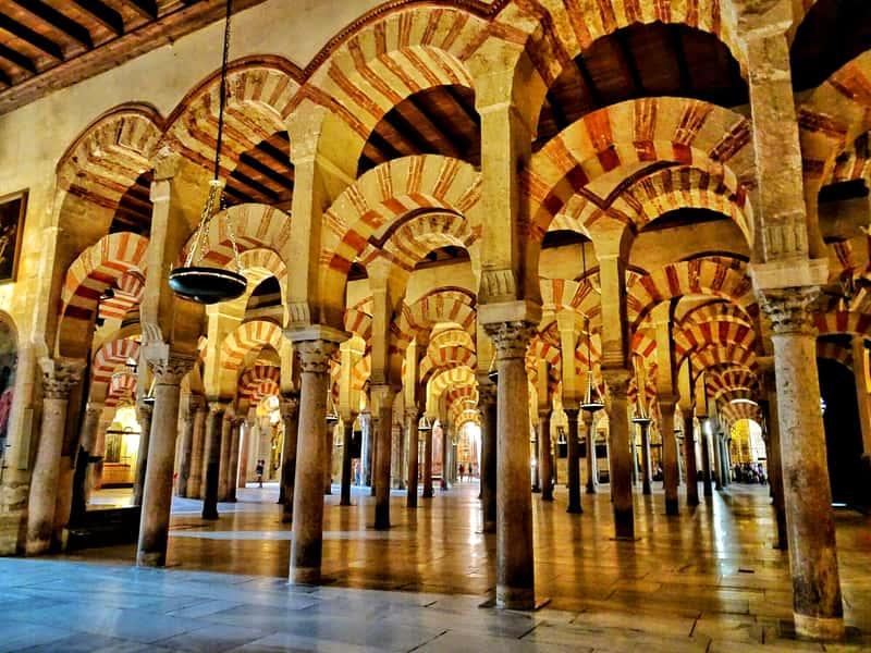 Соборная мечеть Мескита в Кордове, Испания